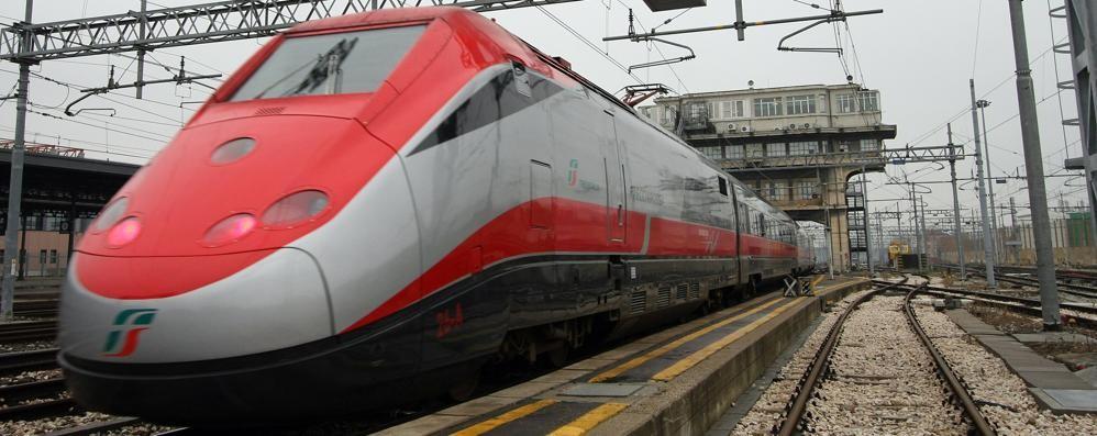 «In viaggio con Sorte per Roma e il treno si ferma per un'ora...»