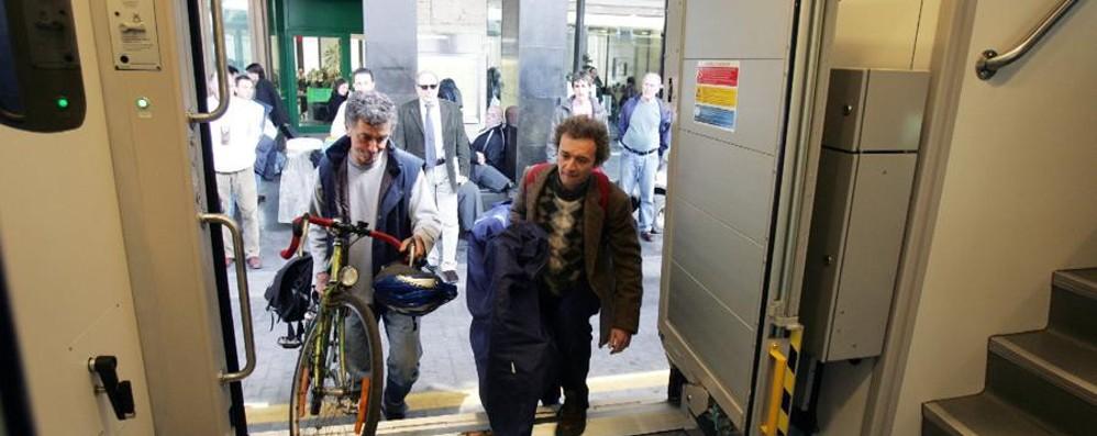 Accordo tra Fs e amici della bicicletta: 180 stazioni attrezzate per le due ruote