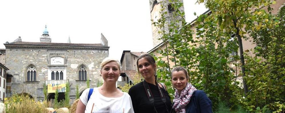 Blogger straniere nella nostra città «Bellezza e cucina, Bergamo è super»