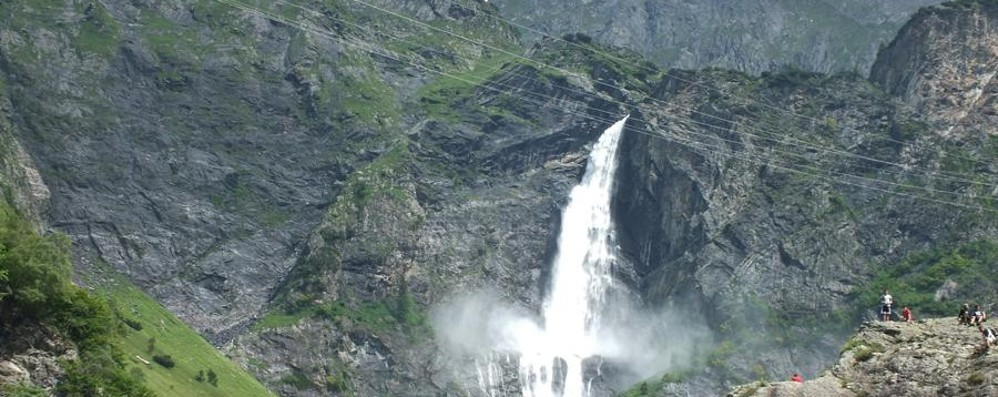 Millegradini, mungitura e le cascate del Serio