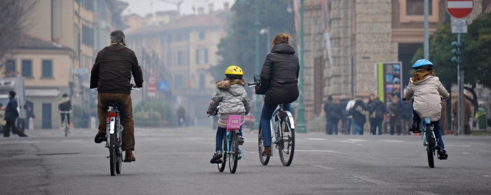 Comuni chiamati a presentare progetti per incentivare l'uso di bici e treni