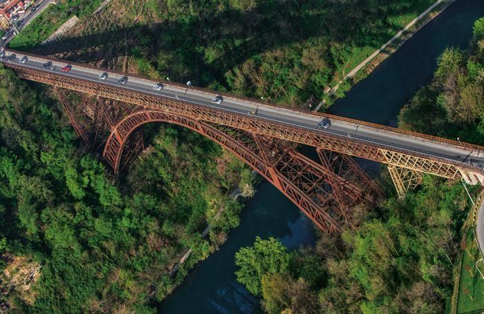 Ponte di Paderno visto dal drone