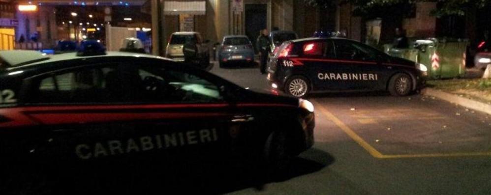 Stazione, blitz dei carabinieri Controllate 80 persone: tre nei guai
