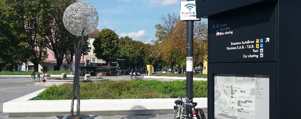 Accesi i cinque  totem multimediali Orientamento per cittadini e turisti