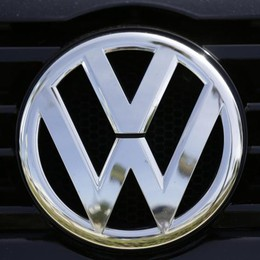Volkswagen: ora si indaga in Europa Indagine del Ministero, giù le Borse