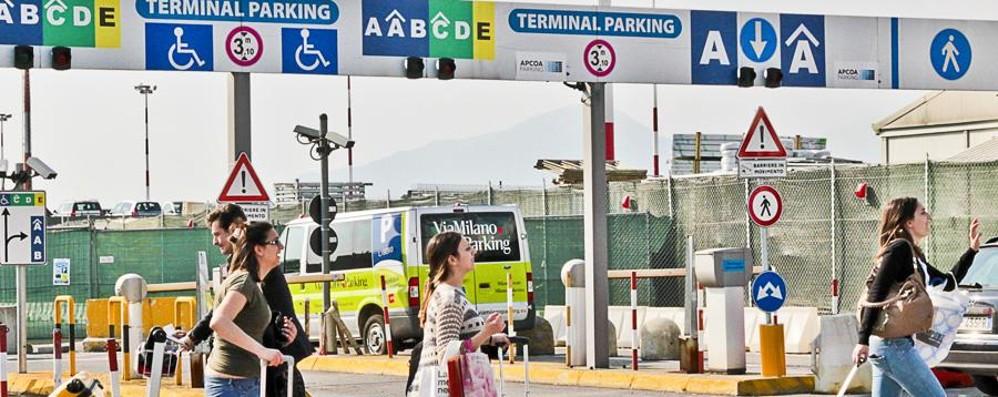 Parcheggi ufficiali dell'aeroporto La vendita affidata a Ryanair