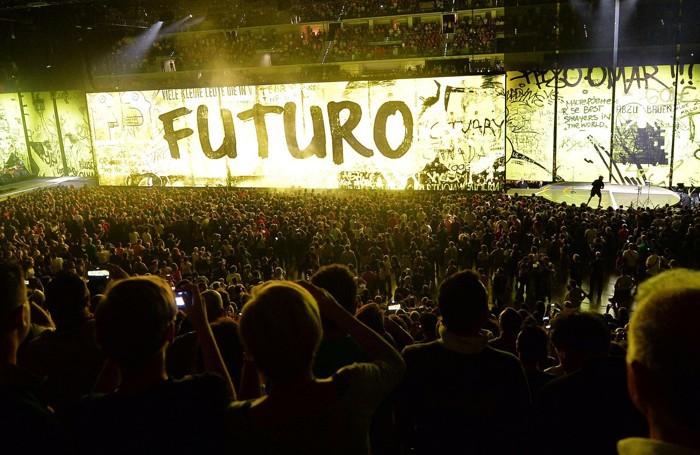 Il concerto di venerdì 4 settembre al Pala Alpitour di Torino