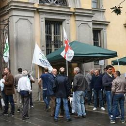 Lega, 36 ore davanti alla Prefettura Stucchi: «Ottimista per Monella»