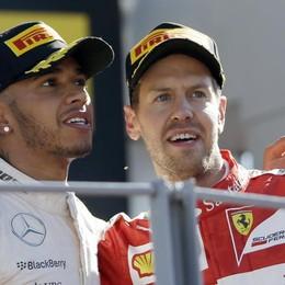 Hamilton davanti a Vettel a Monza Mercedes, nessuna penalizzazione
