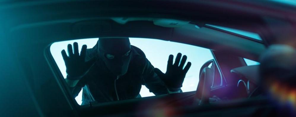 Rubate 12,3 auto ogni ora in Italia ma solo il 9% si assicura contro il furto