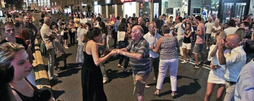Ultimo «Bergamo Balla» della stagione Venerdì stop al traffico dalle 20 alle 00,30