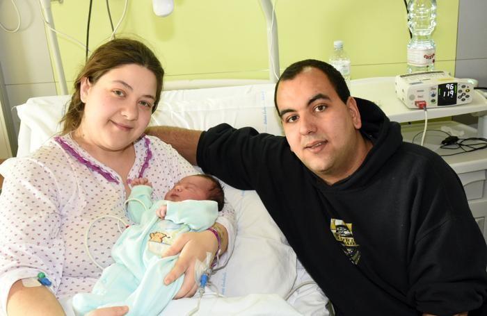 Nicolò con mamma e papà