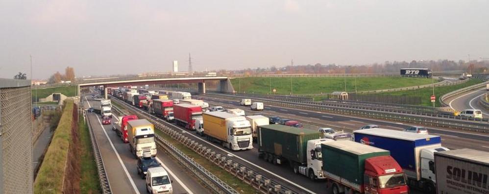 Pedaggi autostradali, nuovi aumenti E raddoppia il canone Telepass