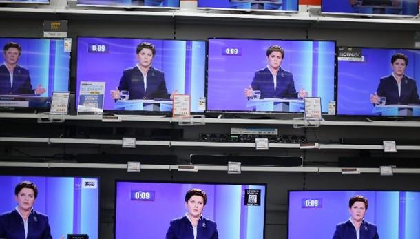 Polonia, si dimettono capi tv pubblica