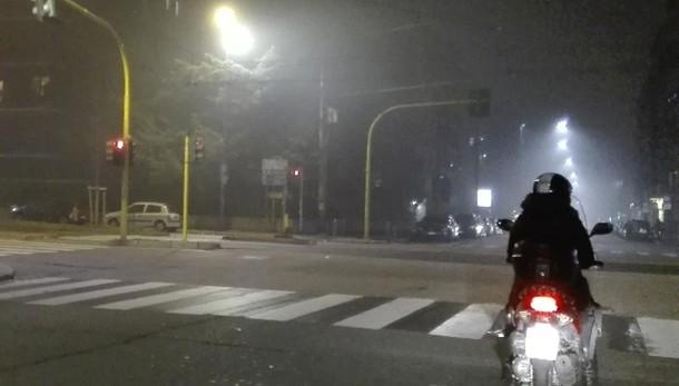 Smog: migliora a Milano, pioggia a Roma