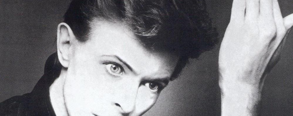 Ricordate il negozietto alle Autolinee? «Dall'altoparlante le canzoni di Bowie»