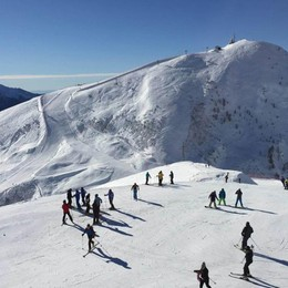 Evviva la neve in quota, finalmente si scia Le news da Colere, San Simone e Carona