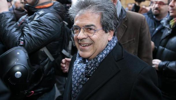Grillo contro Enzo Bianco, dimettiti