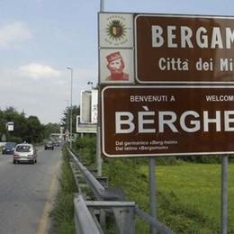 Lombardia, la Lega chiede il bilinguismo «Dialetto su cartelli e siti» - Sondaggio