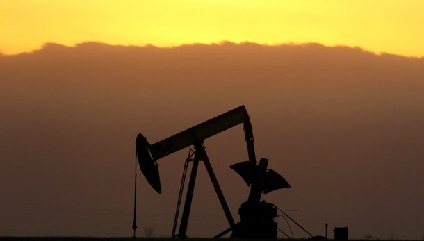 Petrolio: in calo, poco sopra 30 dollari
