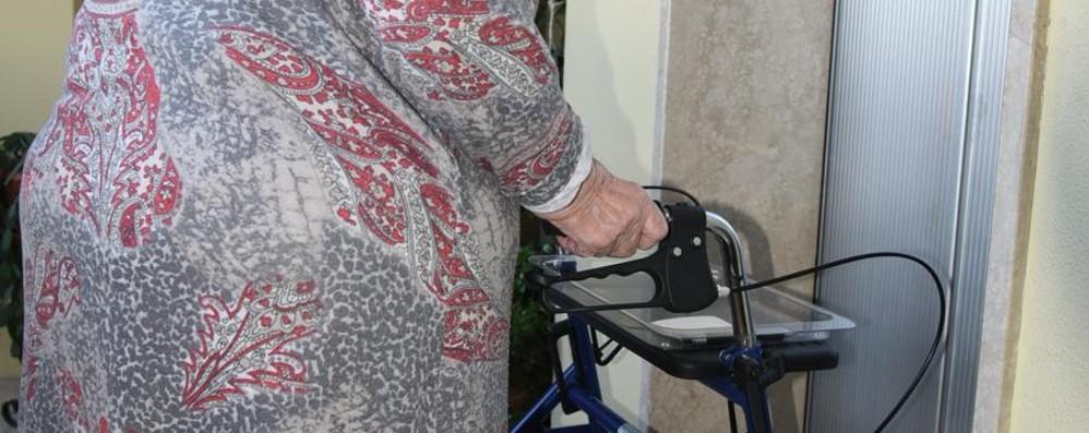 Ascensori rotti in due palazzine Aler Invalida di 85 anni bloccata al 5° piano