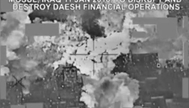 Bombe su 'tesoro' Isis,milioni in cenere