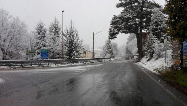 Maltempo: calo temperature, neve in Sila