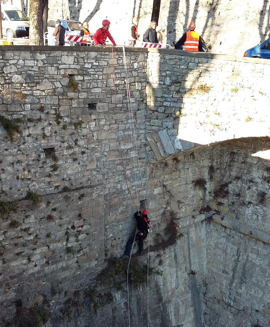 Intervento di pulizia sulle Mura