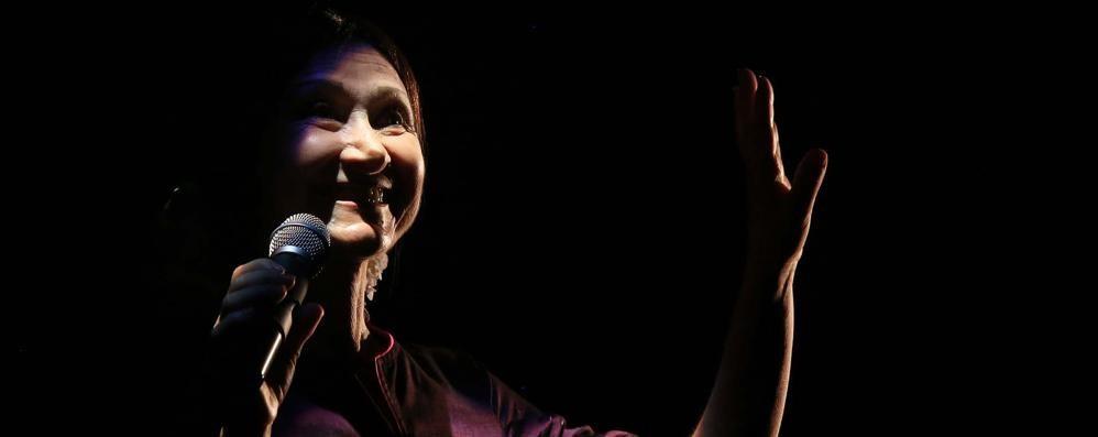 Donizetti, l'attrice ha un malore Sul palco sale il marito regista