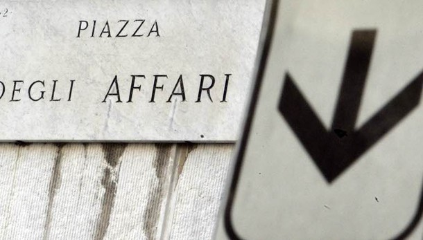Borsa Milano apre in forte calo, -2,8%
