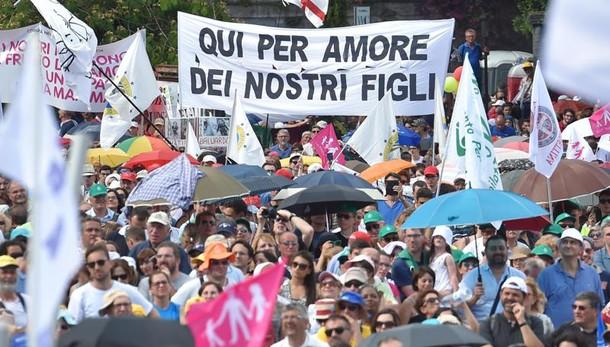 Family Day, sit-in statico al C.Massimo