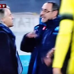Quando gli allenatori diventano ultrà Accuse di Mancini a Sarri: razzista - Video