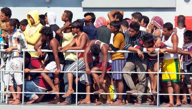 Naufragi Grecia, 8 bimbi tra morti