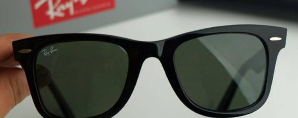 occhiali ray ban beneficenza