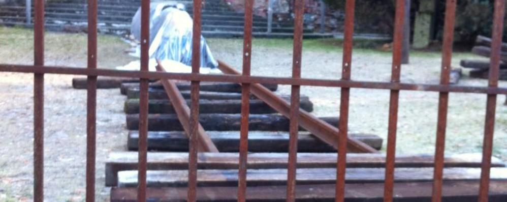 Selvino, visita a Sciesopoli E il binario diventa monumento