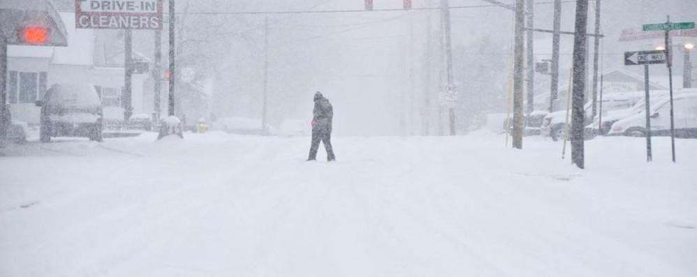 Usa, in arrivo la «tempesta mostro» Cancellati migliaia di voli per la neve