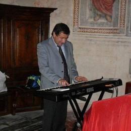 Doveva suonare a una festa di Zogno Malore stronca un organista 54enne