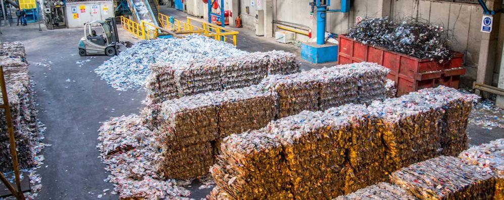 «Troppi rifiuti inceneriti in Lombardia? Dismettiamo gli impianti più vecchi»