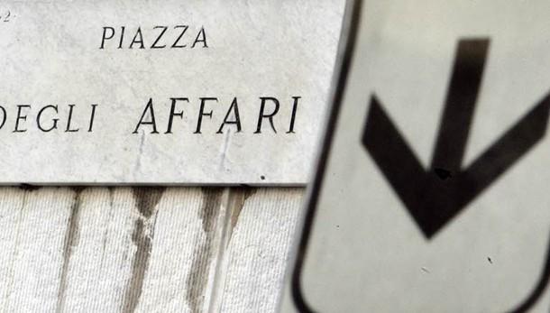 Borsa: Milano chiude in calo, -2,03%