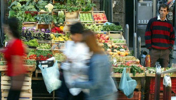 Commercio, vendite novembre +0,3% mese