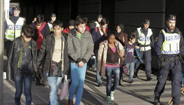Svezia espellerà 80mila migranti