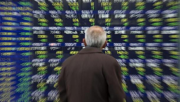 Borsa: Tokyo chiude in ribasso, 0,7%