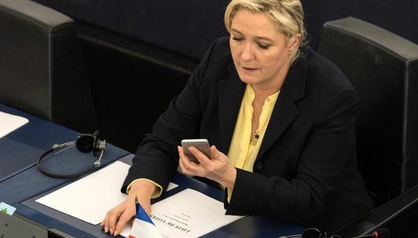Le Pen a convention Milano con Salvini