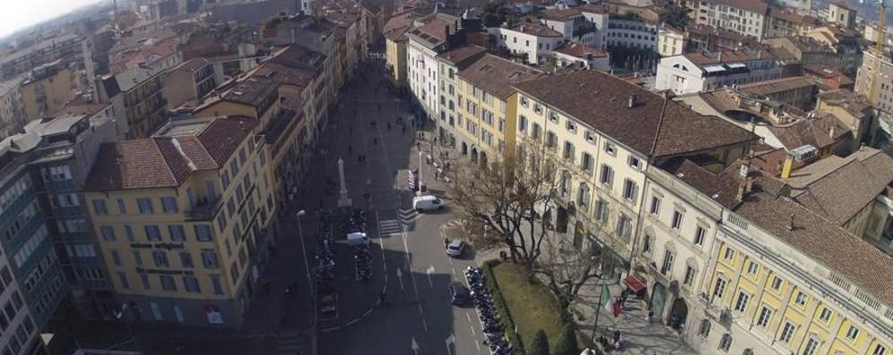 Palazzo Frizzoni lancia il telelavoro All'Anagrafe la prima sperimentazione