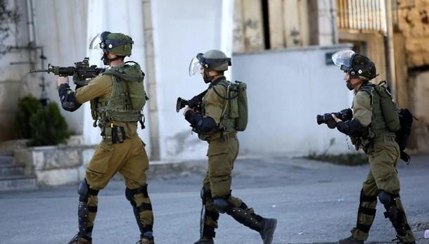 Hebron: palestinese ferisce soldatessa