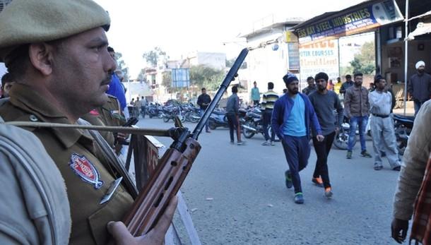 India. ancora esplosioni in base Punjab