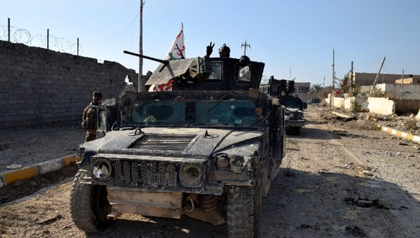 Isis attacca base in Iraq, 15 morti