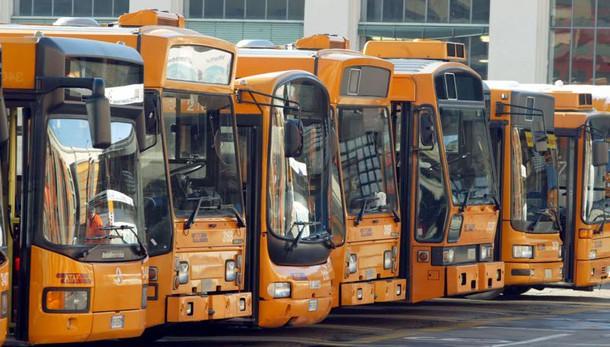 A Napoli deviazioni bus anti baby gang