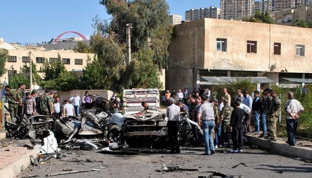 Duplice esplosione a Damasco, 30 morti