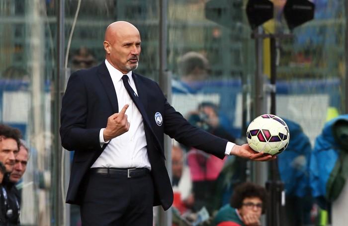 Stefano Colantuono nella sua ultima partita sulla panchina dell'Atalanta contro la Sampdoria lo scorso marzo